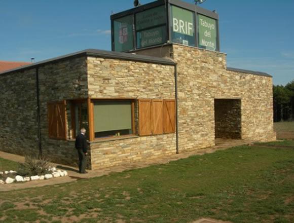 Las mejores ideas para revestir con piedra para fachadas tu casa - Revestimientos para paredes exteriores en piedra ...
